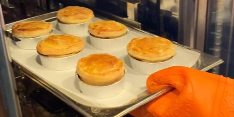 RHET celebrate everything great about the British pie